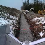 Výstavba odvodňovacích žlabů kolem dálnice D3